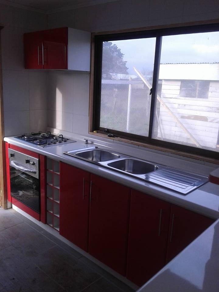 Proyecto Cocina Roja – Muebles Adecor