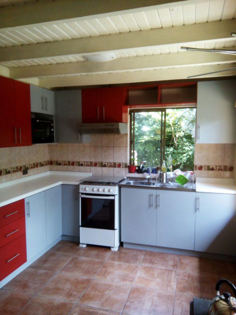 Proyecto cocina ojo colonial gris humo muebles adecor for Proyecto cocina